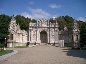 Side Gate, Dolmabahçe